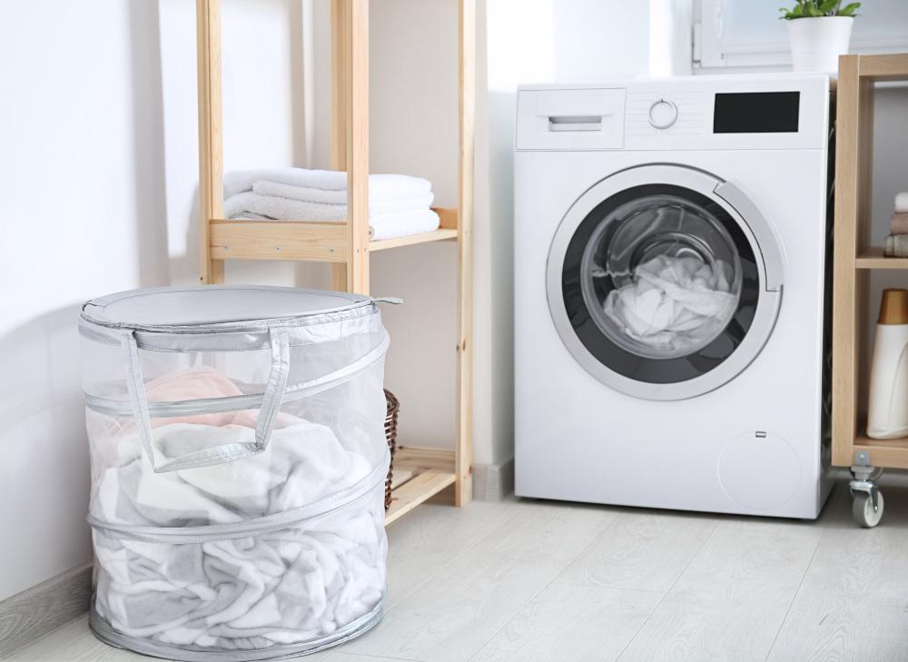 automatyczna prlakla stojąca w pralni